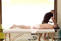Sex lào NextDoorStudios Jacked Arad's Massage Turns to Deep